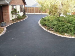 Picture of a tarmac driveway